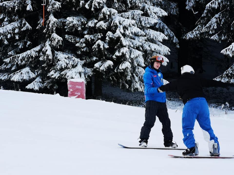 Snowboard Lessons in Poiana Brasov with R&J Ski School in Poiana Brasov